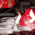 2010-0323-yuki 2歲3個月玩痱子粉.jpg