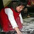 2010-0323-yuki 2歲3個月玩痱子粉 (3).jpg