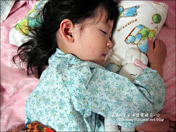 2010-0515 -yuki 2歲4個月得玫瑰疹 (1).jpg