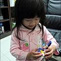 2010-1123-Yuki 2Y11M愛玩微積木.jpg