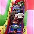 2010-0220-Yuki2Y2M愛玩大型溜滑梯 (2).jpg