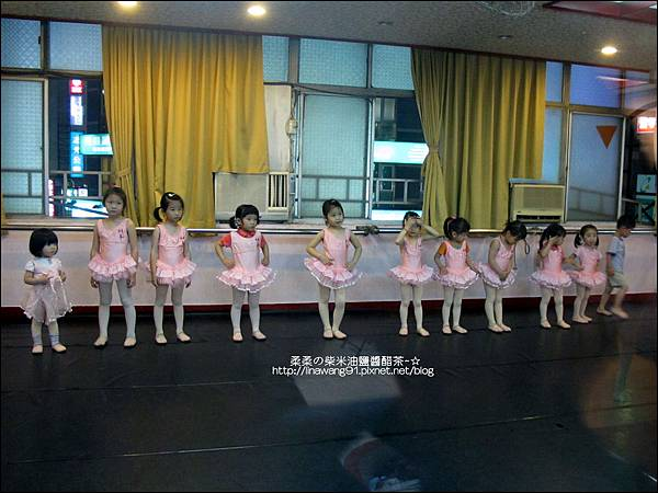 2011-0510-Yuki 3Y4M跳芭蕾舞 (2).jpg