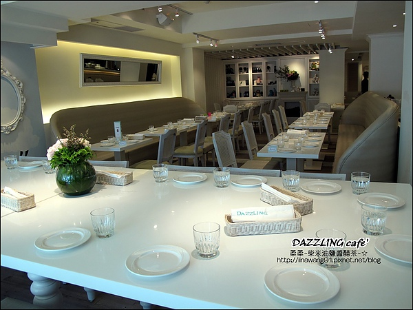 2010-0803-DAZZLING cafe' (6).jpg