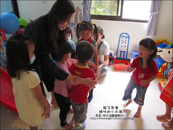 媽咪小太陽親子聚會-蝶古巴特-拼被-2010-1006 (1).jpg