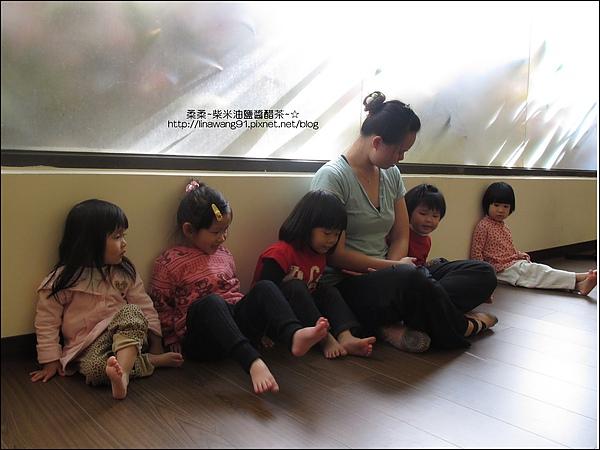 2010-1220-Yuki2Y11M第一次上律動課.jpg
