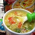 2011-0307-康寶香蟹南瓜-火腿蘑菇濃湯-可樂餅-親子丼 (5).jpg