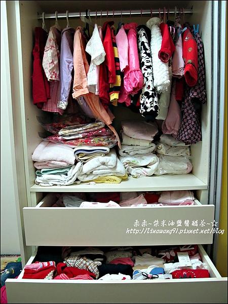 2010-0507-yuki夏天的衣服收納 (15).jpg