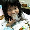 2010-0628-Yuki 2歲半睡覺的習慣 (10).jpg