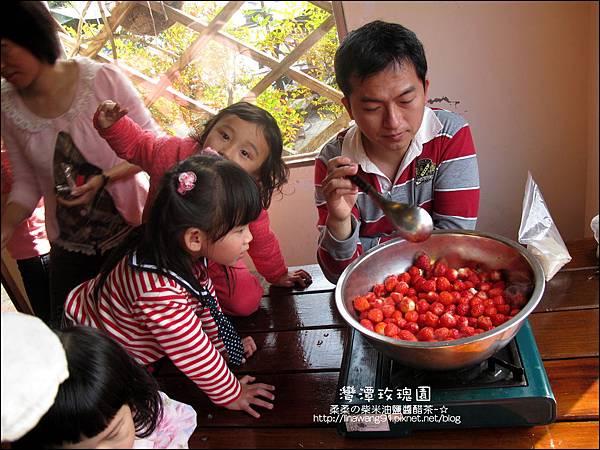 2011-0226-灣潭玫瑰草莓園 (27).jpg
