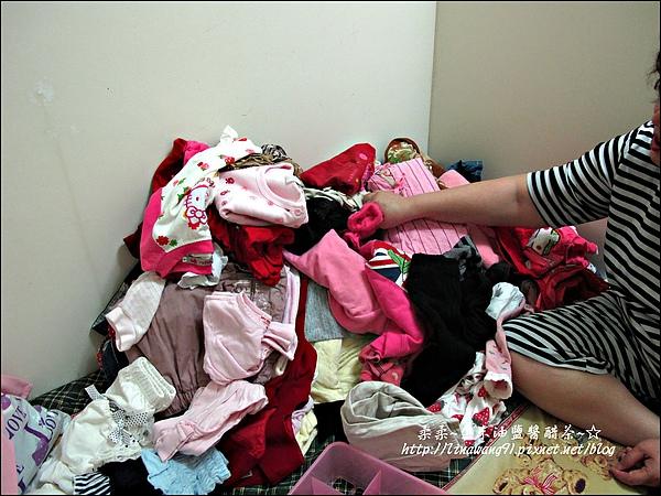 2010-0507-yuki夏天的衣服收納 (2).jpg