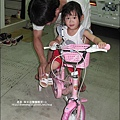 2010-0807-Yuki2Y7M還是不會騎腳踏車.jpg