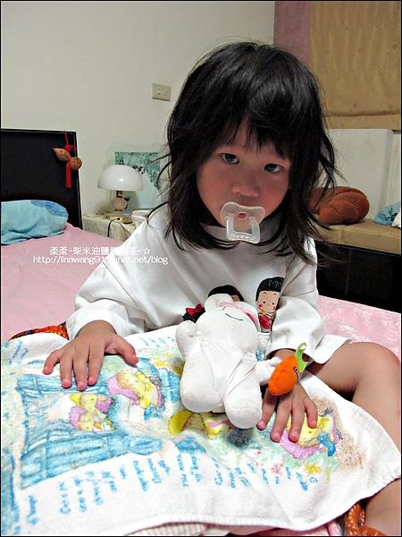 2010-0628-Yuki 2歲半睡覺的習慣 (9).jpg