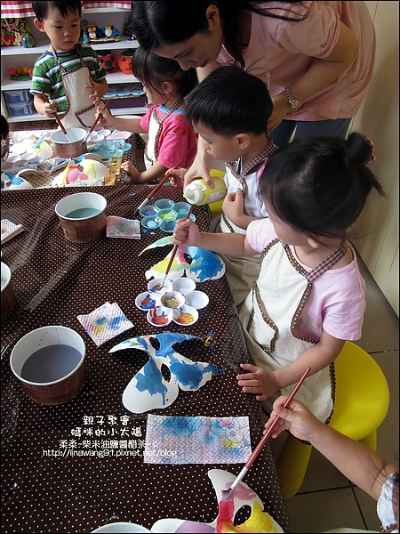 媽咪小太陽親子聚會-萬聖節-蝴蝶面具-2010-1025 (25).jpg