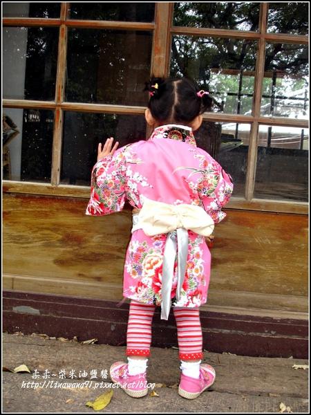 2010-0130-麗池公園-粉色和服外拍 (2).jpg