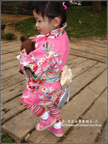 2010-0130-麗池公園-粉色和服外拍 (6).jpg
