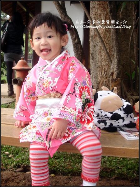 2010-0130-麗池公園-粉色和服外拍 (7).jpg