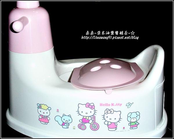 yuki的第一個小馬桶-2009-0504 (1).jpg