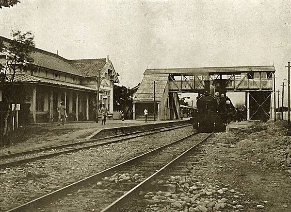 1910, Taichu_station_(Taichung_Station)_in_1910s.jpg