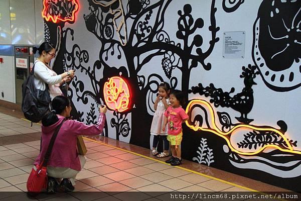 1000610-《給你一個ㄓㄗㄢˋ-SuperWOW》-台北當代藝術館-(台北捷運忠孝復興站)- 125.JPG