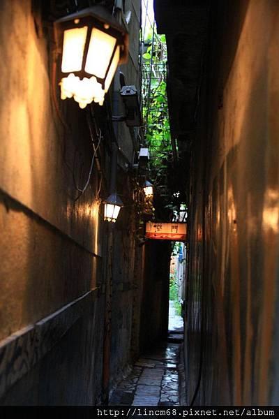 1000602-台南市窄門咖啡- (15).JPG