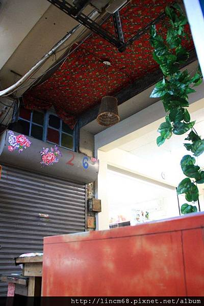 1000602-台南市黎巴嫩玫瑰- (1).JPG