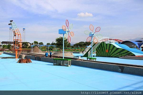 1000705-2011宜蘭國際童玩節-備展- (55).JPG