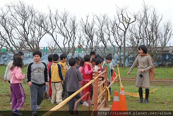 090312小學生體驗放樣 (6).JPG