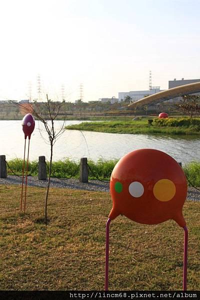 1010109-愛情電容的色碼-張惠蘭+裘安‧蒲梅爾-2011南科公共藝術季- (1).JPG