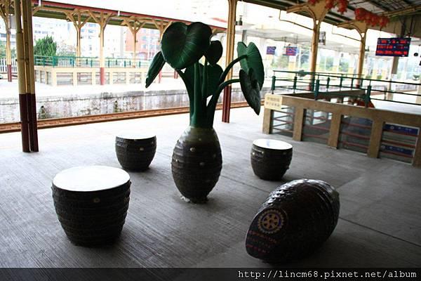 1010111-大甲車站-『竽頭』裝置藝術 (2).JPG
