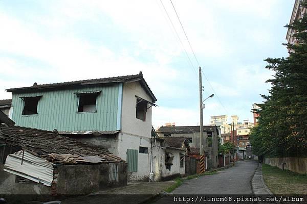 2011.11.04 桃園縣龜山鄉憲光二村- 009