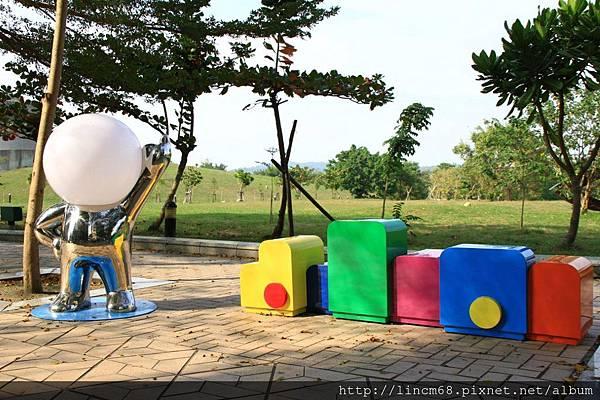 1011227-繽紛城市-明日亮點-林建榮-城市門戶美術館園區公共藝術設置計畫- (1)