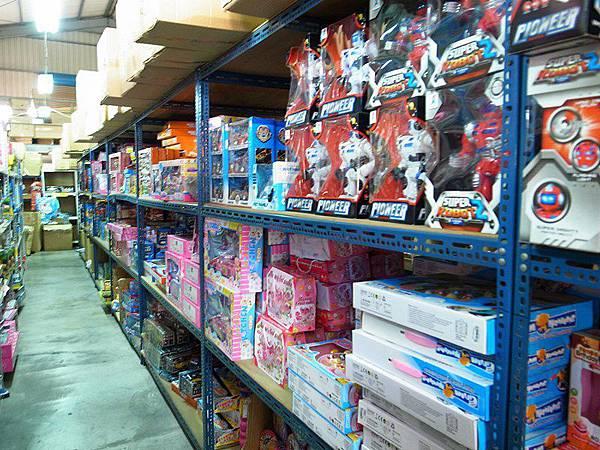 台南玩具-崑山玩具精品批發 倉庫型大型玩具量販店