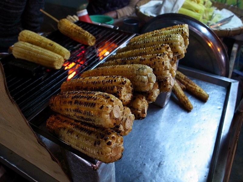 台南美食-古早味烤玉米