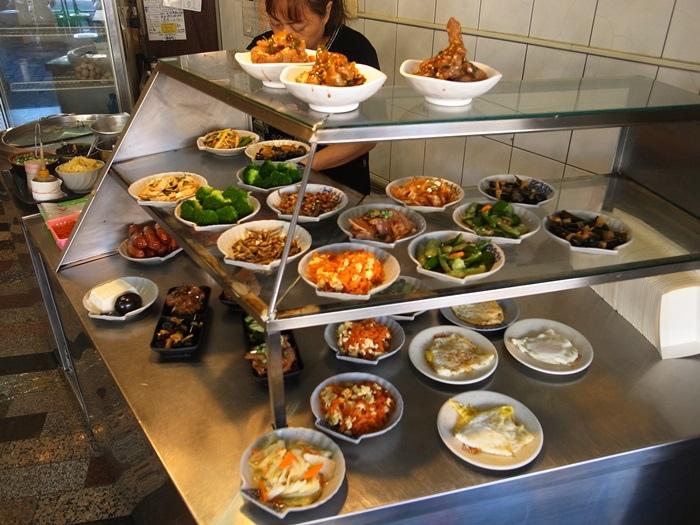 台南美食小吃‧集品蝦仁飯