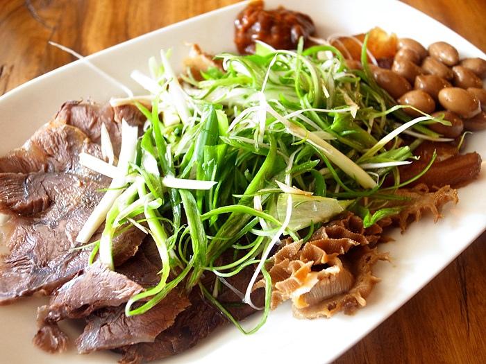 台南美食-老夫子牛肉麵 成功店