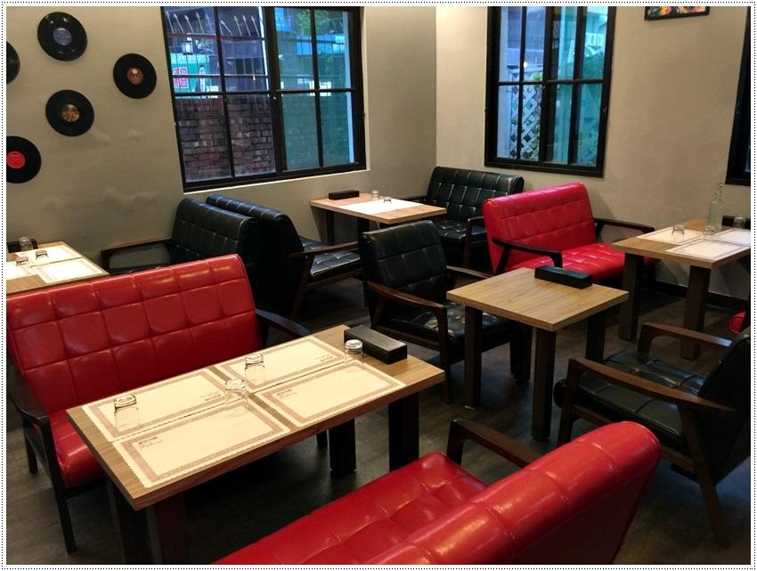 台南美食-三胡町餐酒店-Bistro-排餐🍴主食加義大利麵🍝 或燉飯 超好吃
