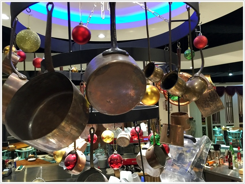 台南美食-台南東區-小銅鍋義式餐廳(德安誠品店)義式餐點、舒芙蕾