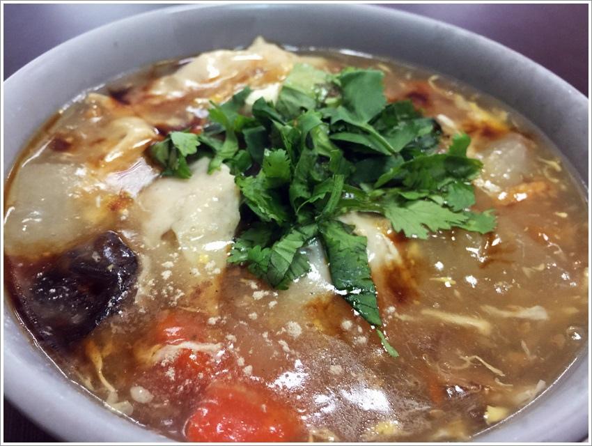 台南美食-安平邱家蝦捲 老一輩的私房美食~招牌 芋粿 傳統魯麵