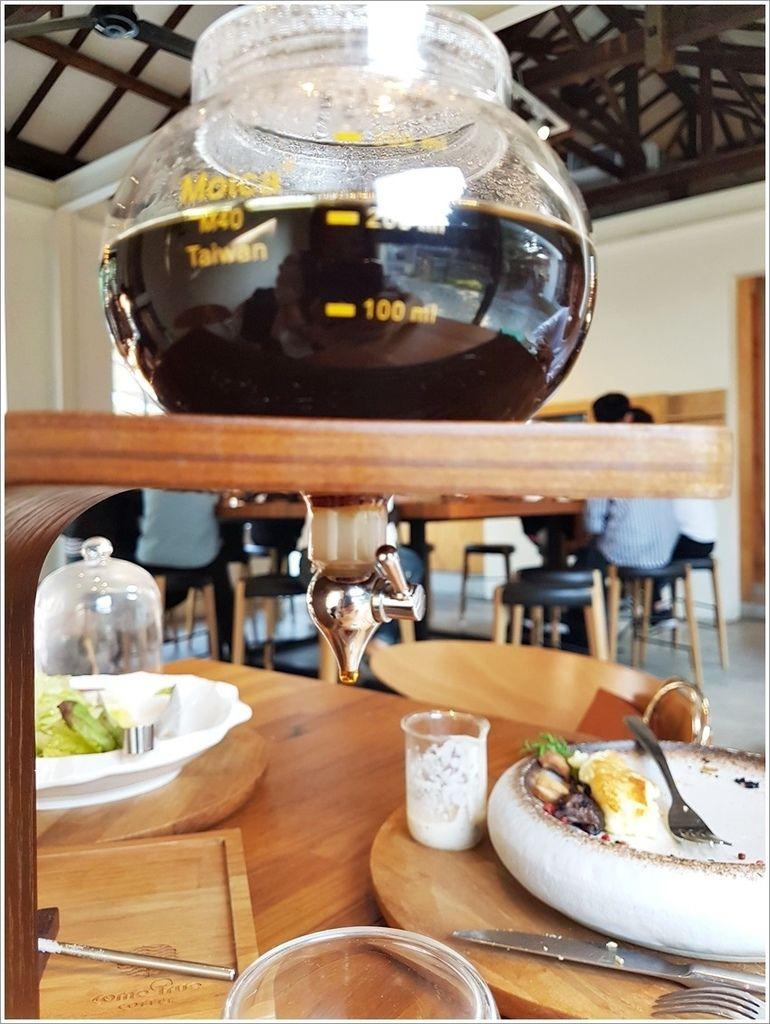 台中美食-西區成真咖啡台中審計店Come Ture Coffee芙蕾厚鬆餅我是周湯豪fans