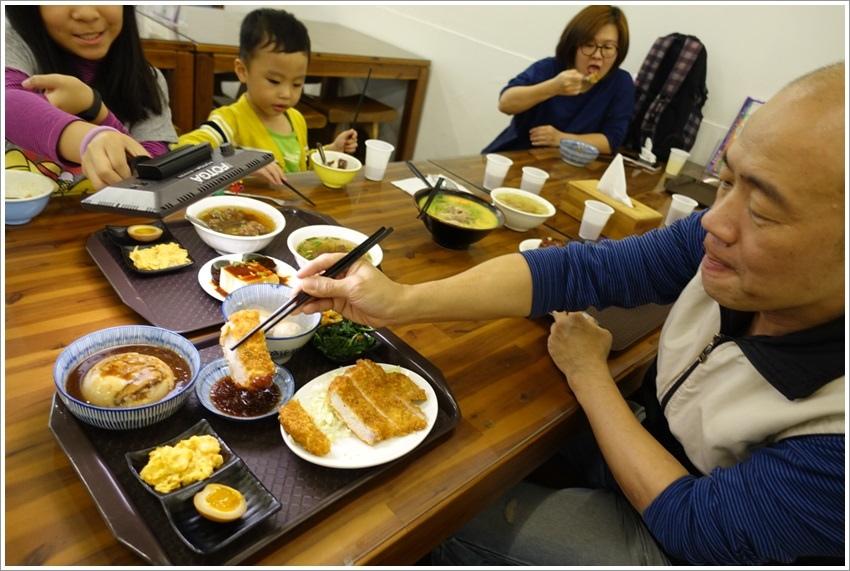 嘉義美食-民雄華南碗粿傳承三代六十年從小到大的老味道