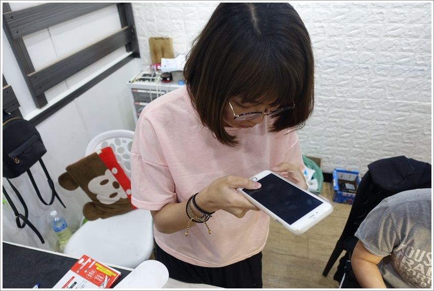 高雄包膜-iDeology Iphone現場維修包膜全透明玻璃保護貼iPhone X Plus