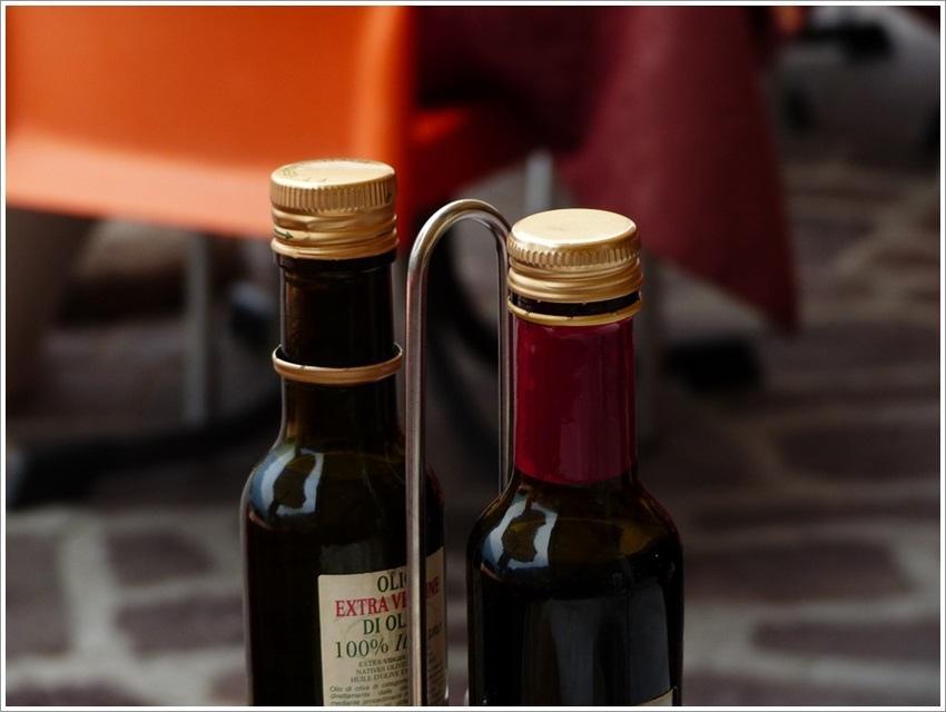 bottles-357885_960_720.jpg