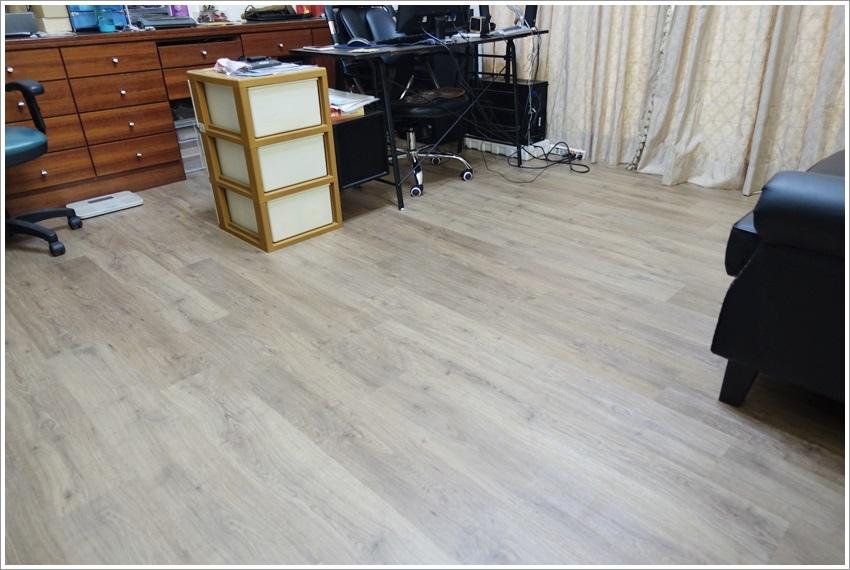 體驗-富銘地板外銷歐洲品牌無甲醛地板個是仿真木紋地板商業空間、居家空間皆可施作鴻海公家機關等大廠愛用地板