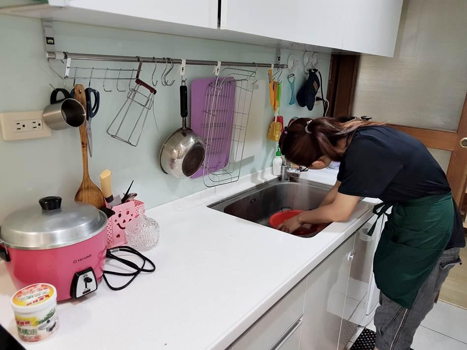 台中家事服務推薦-家事達人廖小姐居家清潔專業到府清潔,空屋清潔,套房清潔整理,大掃除定時清潔