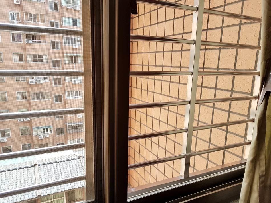 窗台乾淨.jpg