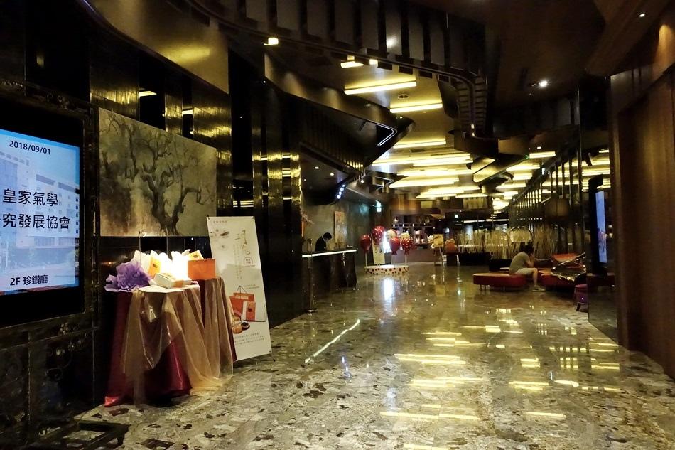台中親子-台中最狂Buffet星享道酒店旁邊逢甲夜市豐富晚宴饕客級夢幻美味熟成牛排吃好吃滿吃免驚