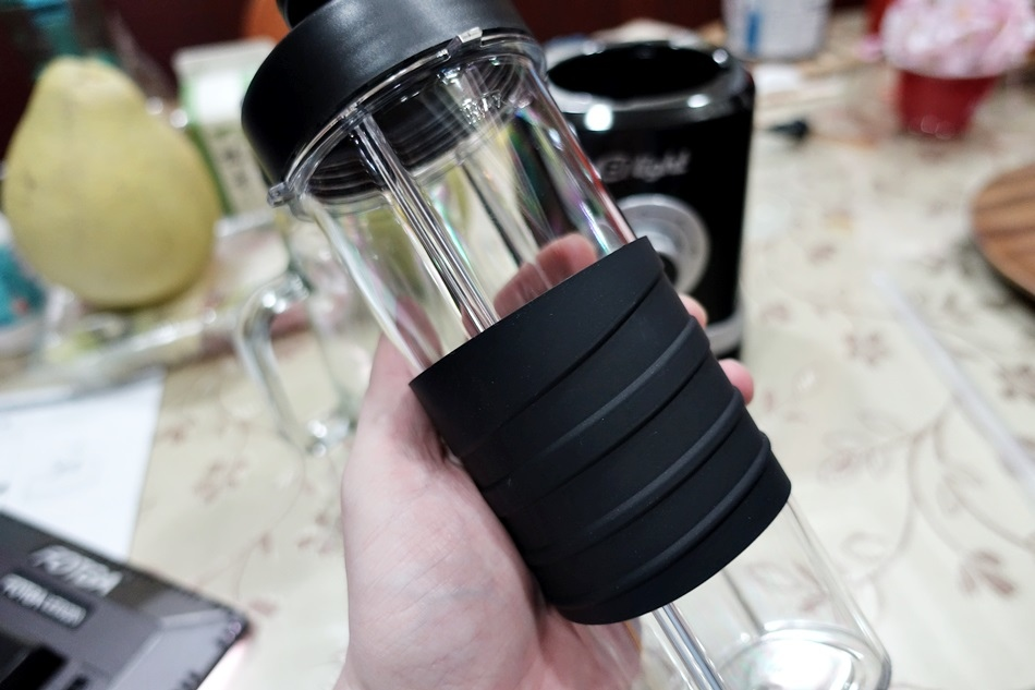 【開箱】ENLight伊德爾生機研磨果汁機 WK-770 (雙杯-隨行+玻璃杯)
