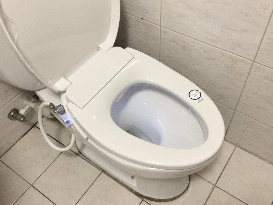 【開箱】【KARAT凱樂衛浴】美國進口(KOHLER)超薄型瞬熱式電腦馬桶座,採用抗菌銀離子噴嘴更衛生,提供2種模式,3段水溫清洗,3段暖座,呵護屁屁,有效提升衛生品質,用過就回不去,上廁所變成最享受的一件事