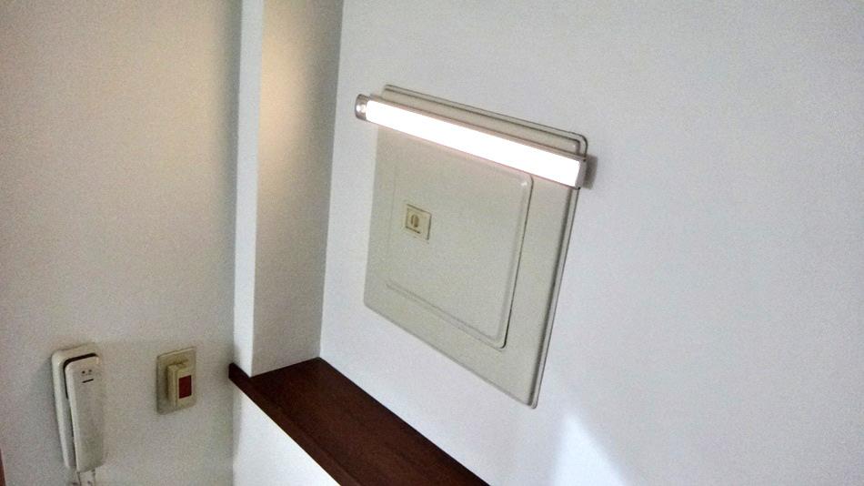 3C開箱-超省電自動感應人體光控雙燈三合一感應燈露營燈具、衣櫥、室內照明用