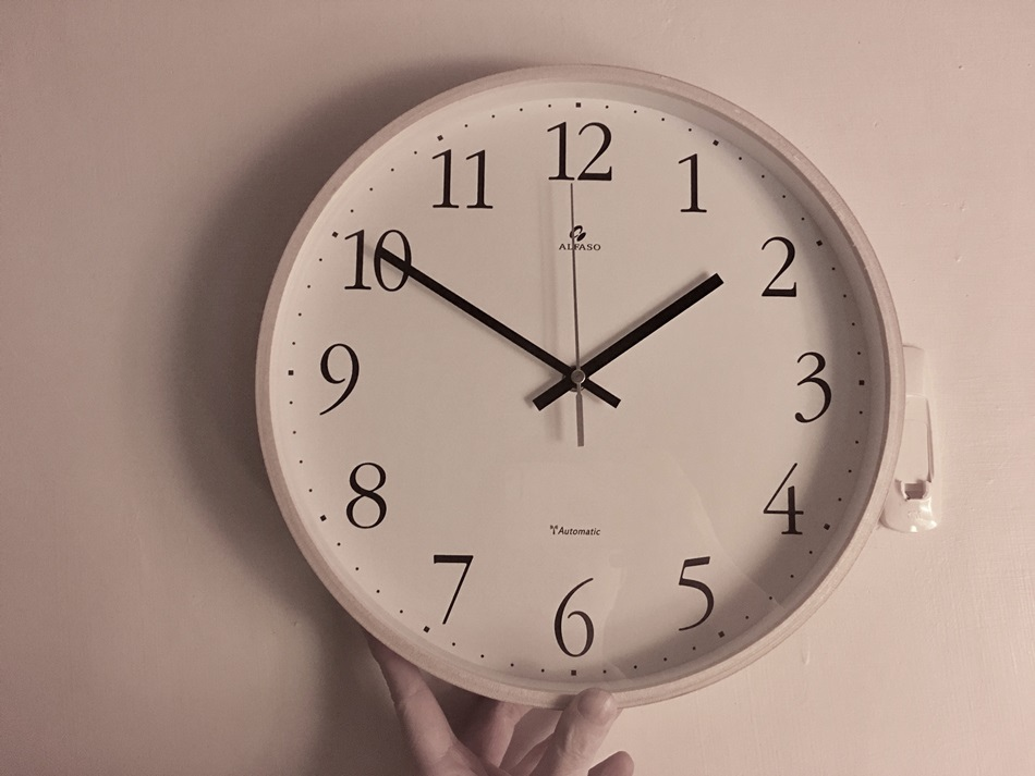 電波時鐘開箱-法詩計時電波鐘跨年CASIO精準電波時計